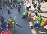 La rue piétonne de Hoàn Kiêm s'improvise en piste de cirque