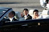 Défilé impérial : les Japonais acclament leur nouvel empereur