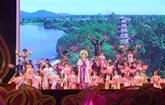 Élaboration du dossier du chant de Huê à soumettre à l'UNESCO