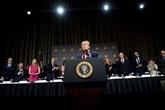 Destitution de Trump : les auditions publiques commencent, la bataille sintensifie