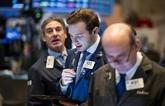Wall Street termine en ordre dispersé, Dow Jones et S&P 500 à des records