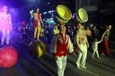 Festival mondial du cirque 2019 à Quang Ninh : un défilé de rue attire lattention du public
