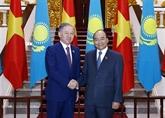 Le PM vietnamien reçoit le président de la Chambre basse du Parlement du Kazakhstan