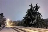 Neige : un mort et 140.000 foyers privés d'électricité dans trois départements