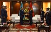Le président de la Chambre basse du Kazakhstan en visite à Dà Nang