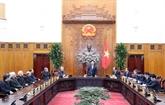 Le PM reçoit des membres de la Conférence des évêques du Vietnam