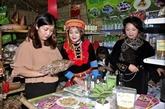 Une foire promeut les spécialités locales à Hanoï