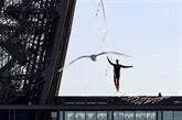 Téléthon : un funambule à 150 m au-dessus du vide à La Défense