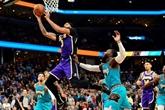 NBA : les Lakers souffrent mais continuent sur leur lancée