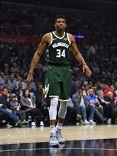 NBA : les Bucks et les Lakers enchaînent les victoires, Toronto surpasse Philadelphie