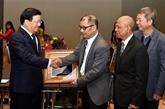 Poursuite des activités du vice-PM Trinh Dinh Dung en Australie