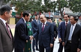 Le PM Nguyên Xuân Phuc rencontre l'électorat de Hai Phong
