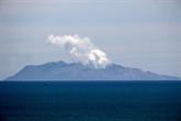 Le volcan encore trop dangereux pour récupérer les corps