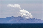 Nouvelle-Zélande : le volcan encore trop dangereux pour récupérer les corps