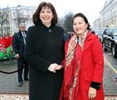 La présidente de l'AN vietnamienne s'entretient avec la présidente du Sénat biélorusse