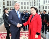 La présidente de l'AN s'entretient avec le président de la Chambre des représentants biélorusse