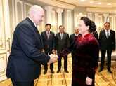 La présidente de l'AN, Nguyên Thi Kim Ngân, rencontre le président biélorusse