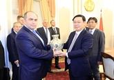 Le vice-PM Vuong Dinh Huê s'entretient avec son homologue biélorusse
