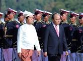 Accueil solennel de Nguyên Xuân Phuc à Nay Pyi Taw