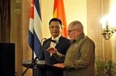 Commémoration du 75e anniversaire de l'Armée populaire du Vietnam