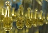 Parfums : derrière le rêve, des stratégies marketing élaborées