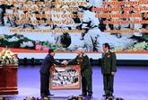 Célébrer la Journée des soldats volontaires vietnamiens au Laos
