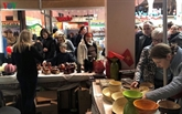 Le Vietnam à la 27e foire de charité Bazaar internationale en Ukraine