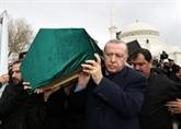 Immeuble effondré à Istanbul: 21 morts, Erdogan appelle à