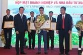 Bà Ria - Vung Tàu remet des licences d'investissement à neuf projets