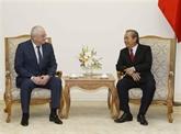 Truong Hoa Binh reçoit le chef adjoint du Département anti-corruption du président russe
