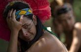 Douleur et résistance: un village indigène menacé par la catastrophe minière au Brésil