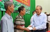 Des dirigeants présentent leurs vœux du Têt à Dông Thap et à Son La