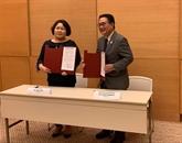 Signature de deux projets daide non remboursable japonais