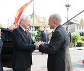 Remerciements de Nguyên Phu Trong adressés au roi du Cambodge