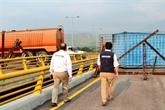 Venezuela: des militaires bloquent un pont à la frontière