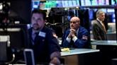 Wall Street clôture en chute, tourmentée par léconomie mondiale