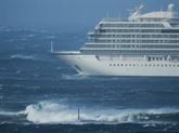 Hélitreuillage des 1.300 passagers d'un paquebot en difficulté