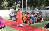 Promotion de l'áo dài du Vietnam auprès des amis aséaniens et indiens