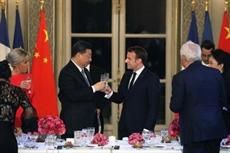 Face à Xi Jinping, Macron, Merkel et Juncker cherchent une unité européenne