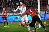 Ligue 1: Lyon fait craquer Rennes et met la pression sur Lille