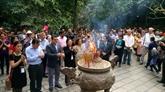 À la découverte du Temple des rois Hùng avec des diplomates