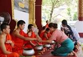 Laos: la fête du Nouvel An traditionnel bat son plein