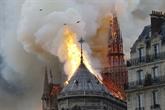 Macron veut rebâtir la cathédrale