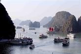 Fête des rois Hùng: afflux de touristes en baie de Ha Long