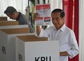 Le président Widodo proclame sa victoire aux élections