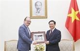 Vuong Dinh Huê reçoit un responsable de l'OCDE