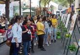 De nombreuses activités pour célébrer la Journée vietnamienne du livre