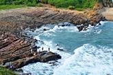 La côte rocheuse de Mong Rông, un lieu majestueux sur l'île de Cô Tô