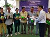Cadeaux aux Viêt kiêu et habitants démunis au Cambodge