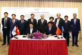 Le PM vietnamien à la signature d'un accord entre le groupe TH et son partenaire chinois